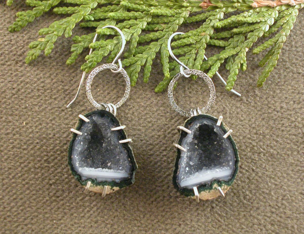 Geode Earrings Black